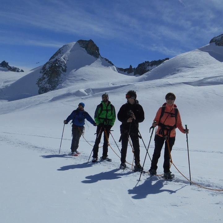 Con le ciaspole sul ghiacciaio